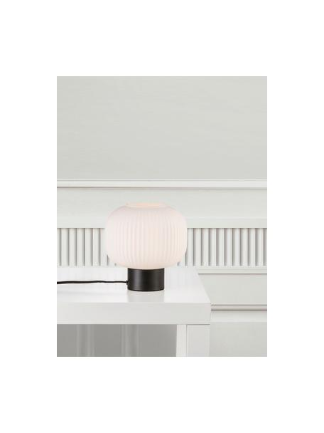 Kleine nachtlampje Charlie van opaalglas, Lampenkap: opaalglas, Lampvoet: gecoat metaal, Zwart, opaalwit, Ø 20 x H 20 cm