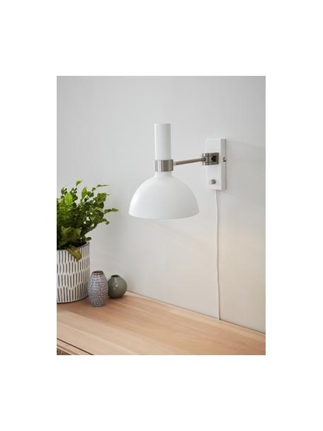 Dimbare wandlamp Larry met stekker, Lampenkap: gelakt messing, Frame: messing, Wit, chroomkleurig, 19 x 24 cm