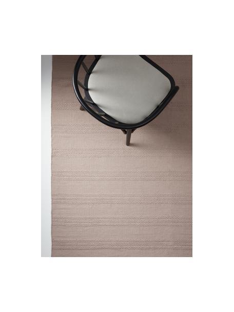 Tappeto in cotone con struttura a righe tono su tono e frange Tanya, 100% cotone, Taupe, Larg. 70 x Lung. 150 cm (taglia XS)