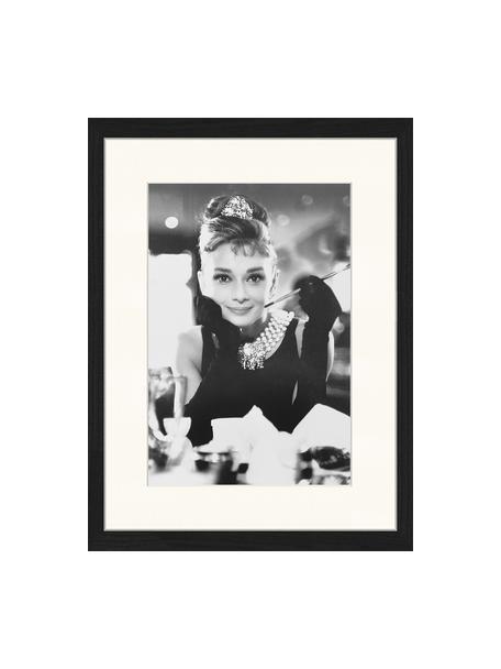 Stampa digitale incorniciata Breakfast At Tiffanys, Immagine: stampa digitale su carta,, Cornice: legno, verniciato, Nero, bianco, Larg. 33 x Alt. 43 cm