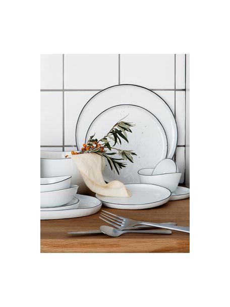 Handgemachte Frühstücksteller Salt mit schwarzem Rand, 4 Stück, Porzellan, Gebrochenes Weiß, Schwarz, Ø 22 cm