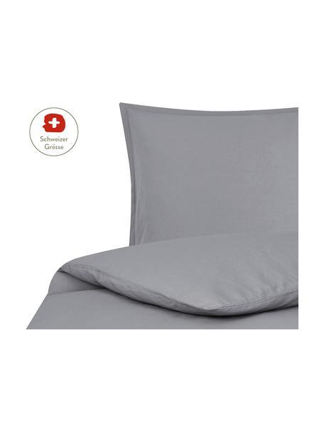 Gewaschener Leinen-Bettdeckenbezug Nature in Dunkelgrau, Halbleinen (52% Leinen, 48% Baumwolle) Fadendichte 108 TC, Standard Qualität Halbleinen hat von Natur aus einen kernigen Griff und einen natürlichen Knitterlook, der durch den Stonewash-Effekt verstärkt wird. Es absorbiert bis zu 35% Luftfeuchtigkeit, trocknet sehr schnell und wirkt in Sommernächten angenehm kühlend. Die hohe Reissfestigkeit macht Halbleinen scheuerfest und strapazierfähig., Dunkelgrau, 160 x 210 cm
