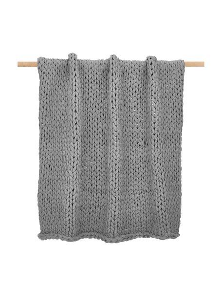 Handgemaakte grofgebreide plaid Adyna in lichtgrijs, 100% polyacryl, Lichtgrijs, 130 x 170 cm