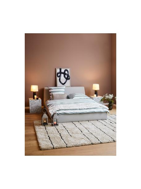 Łóżko tapicerowane z miejscem do przechowywania Cloud, Korpus: lite drewno sosnowe, mate, Tapicerka: tkanina o drobnej struktu, Jasny szary, S 140 x D 200 cm