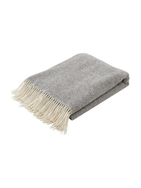 Wollen plaid Tirol-Mona in grijs met visgraatpatroon en franjes, 100% wol, Grijs, 140 x 200 cm