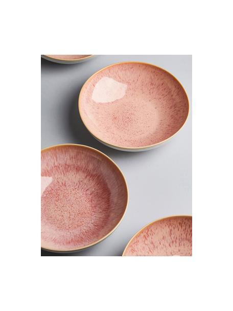 Handbeschilderde serveerschaal Areia met reactief glazuur, Ø 22 cm, Keramiek, Roodtinten, gebroken wit, lichtbeige, Ø 22 x H 5 cm
