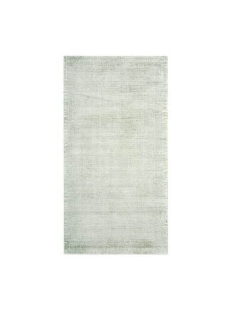 Handgeweven viscose vloerkleed Jane in lindegroen, Bovenzijde: 100% viscose, Onderzijde: 100% katoen, Lindegroen, B 80 x L 150 cm (maat XS)