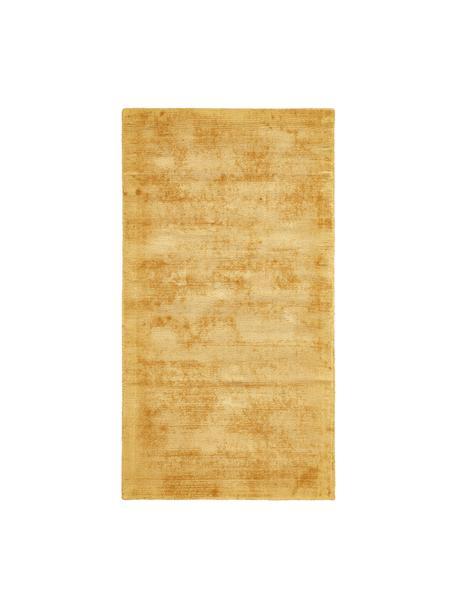 Tappeto in viscosa color giallo senape tessuto a mano Jane, Retro: 100% cotone, Giallo senape, Larg. 80 x Lung. 150 cm (taglia XS)