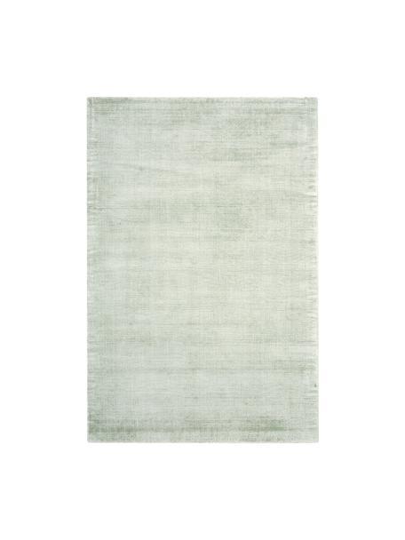 Handgeweven viscose vloerkleed Jane in lindegroen, Bovenzijde: 100% viscose, Onderzijde: 100% katoen, Lindegroen, B 200 x L 300 cm (maat L)