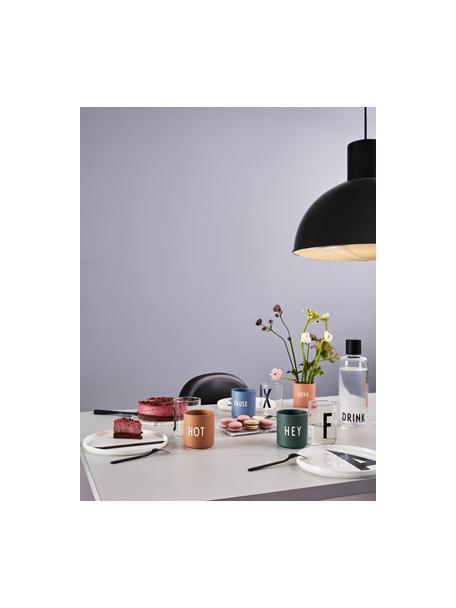 Taza con frase de diseño Favourite HEY, Porcelana fina de hueso (porcelana) Fine Bone China es una pasta de porcelana fosfática que se caracteriza por su brillo radiante y translúcido., Verde oscuro, Ø 8 x Al 9 cm