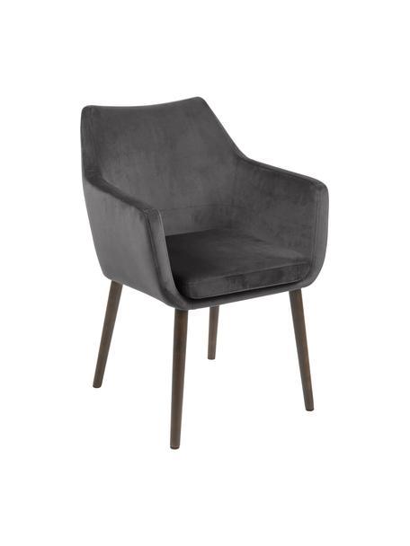 Krzesło z podłokietnikami z aksamitu Nora, Tapicerka: aksamit poliestrowy Dzięk, Nogi: drewno dębowe, bejcowane, Aksamit ciemny szary, ciemny brązowy, S 58 x G 58 cm
