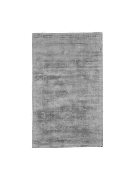Alfombra artesanal de viscosa Jane, Parte superior: 100%viscosa, Reverso: 100%algodón, Gris, An 90 x L 150 cm (Tamaño XS)
