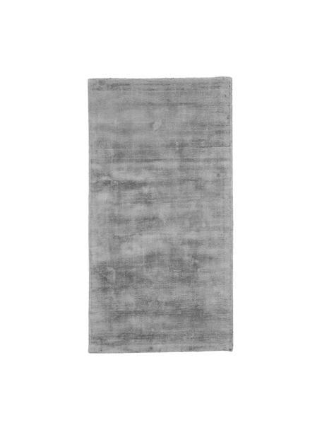 Tappeto in viscosa color grigio tessuto a mano Jane, Retro: 100% cotone, Grigio, Larg. 80 x Lung. 150 cm (taglia XS)