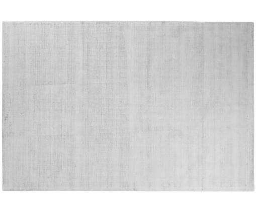Tappeto in viscosa tessuto a mano Jane, Vello: 100% viscosa, Retro: 100% cotone, Grigio argento, Larg. 200 x Lung. 300 cm