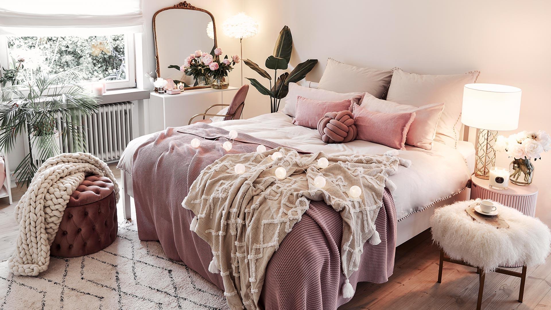 Cozy feminine